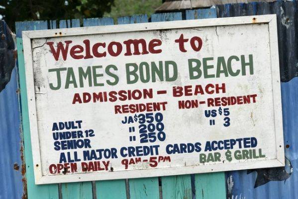 jamaica_bond_beach