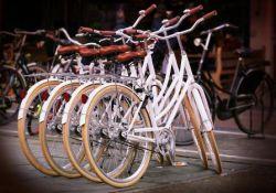Respect voor het lijfBloot op de fiets tijdens de...